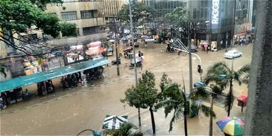 Tranvía y cables de Medellín, cerrados por fuertes lluvias