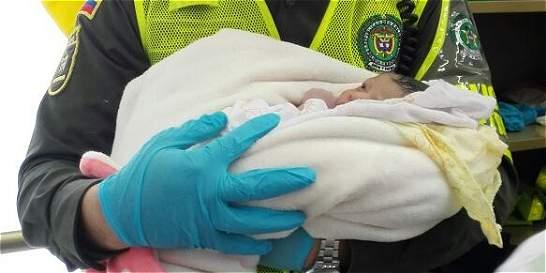 Una bebé nació en estación de Metroplús