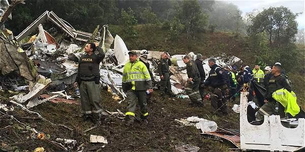 El avión de la empresa Lamia Corporation con matrícula LMI2933 procedente de Santa Cruz de la Sierra, Bolivia se accidentó en el cerro El Gordo, zona rural del municipio de La Unión.