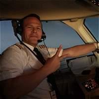 'Él hizo hasta lo imposible para salvar su vuelo': familia de piloto