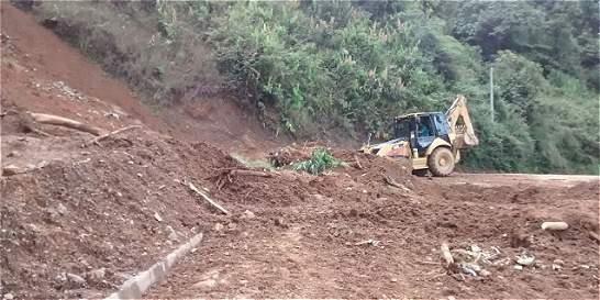 Dos vías afectadas por derrumbes en Antioquia