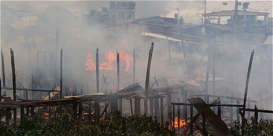 Incendio en Quibdó habría dejado más de 10 viviendas destruidas
