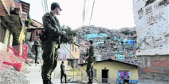 Combos siguen con poder armado en laderas de Medellín