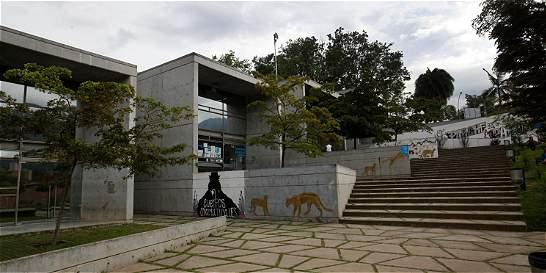 Tras controversia, bibliotecas públicas reabrirían antes de enero 15