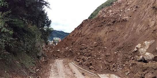 Autopista Medellín - Bogotá aún está cerrada