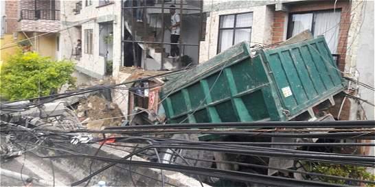 Accidente de volqueta deja cuatro heridos
