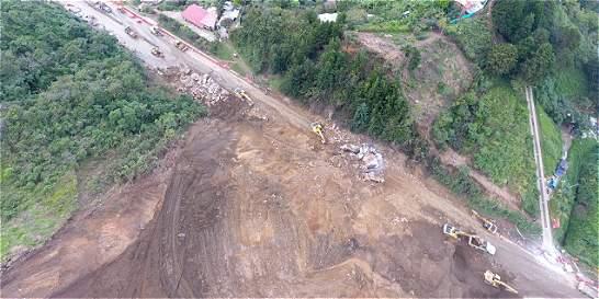Alerta roja en derrumbe de la vía Medellín-Bogotá