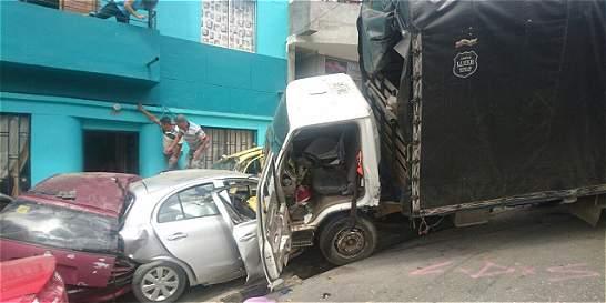 Dos muertos y siete heridos en accidente de tránsito en Medellín