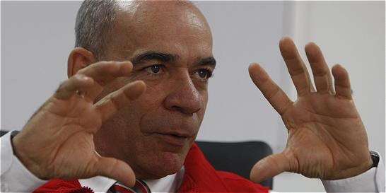 Alcalde de Pereira 'obliga' a funcionarios acompañarlo en procesión