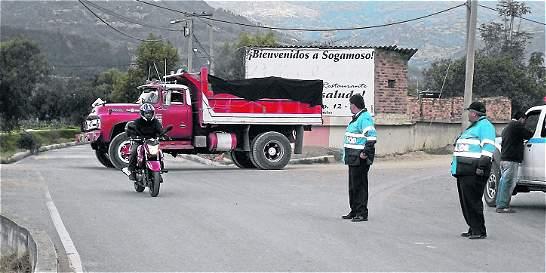 Reabren vía El Cerrito - Caleras