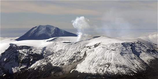 Travesía por Caldas y Tolima para analizar el volcán Nevado del Ruiz