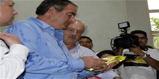 Gobernador de Caldas exigió vivienda y créditos para campesinos