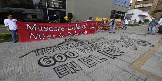 Miembros de la USO protestan por recortes en el ICP