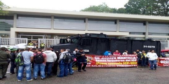 Por protestas activan plan de contingencia en el Instituto de Petróleo