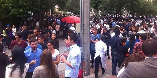 Pánico y evacuación de edificios por temblor reportan en Bogotá