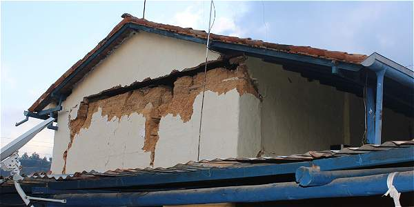 Daños materiales en el casco urbano del municipio de Betulia, Santander.