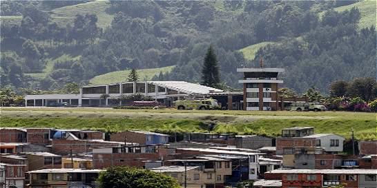 Aeropuerto La Nubia de Manizales completa cuatro días cerrado
