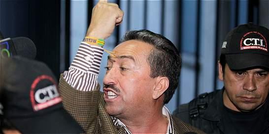 Sale de la cárcel el exgobernador de Santander Hugo Aguilar