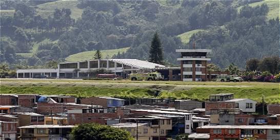 Aeropuerto La Nubia de Manizales estaría cerrado el resto de este mes