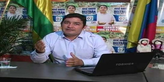 Por fallas en contratación capturan al alcalde de Puente Nacional