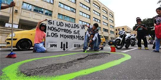 Los peores huecos encontrados por los motociclistas en Colombia