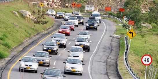 Lluvias, causa de congestión en la operación retorno