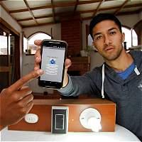 Colombianos crean sistema para prender y apagar la luz con el celular