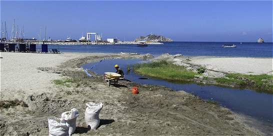 Investigan a Metroagua por contaminar la bahía de Santa Marta
