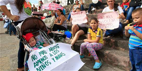 Mamás expresaron su dolor por muerte de niña maltratada y abusada