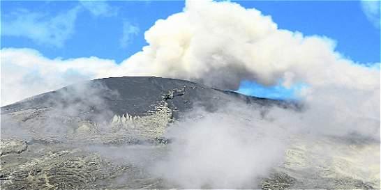 Caída de ceniza del volcán nevado del Ruiz no es signo de erupción
