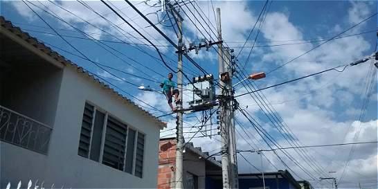 Presunto ladrón dejó sin energía eléctrica a 17 barrios de Girón