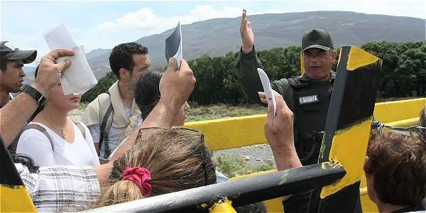 ABREN PASO DE TRABAJADORES COLOMBIANOS HACIA VENEZUELA