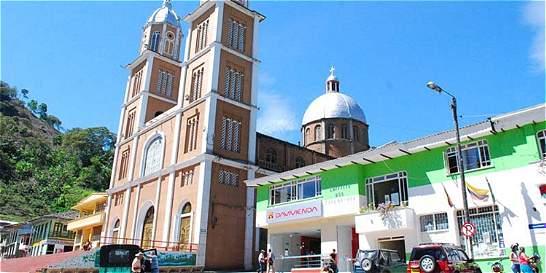 Tras sismo, ordenan evacuar Alcaldía de Génova (Quindío)