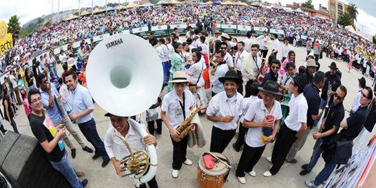Músicos de todo el país se lucieron en festival de bandas