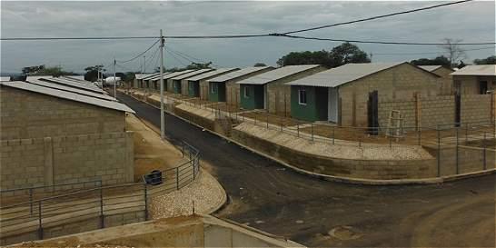 Gobierno entrega nuevas viviendas gratis en el Atlántico