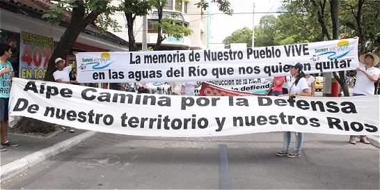 Huilenses marcharon contra las hidroeléctricas en el río Magdalena