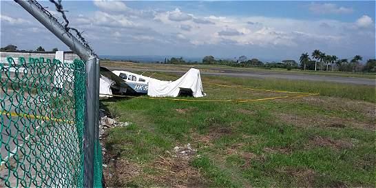 Avioneta de enseñanza chocó contra un muro en el aeropuerto de Armenia