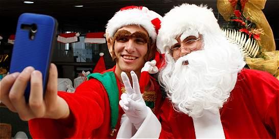 Los universitarios que lucen trajes de Navidad en Manizales