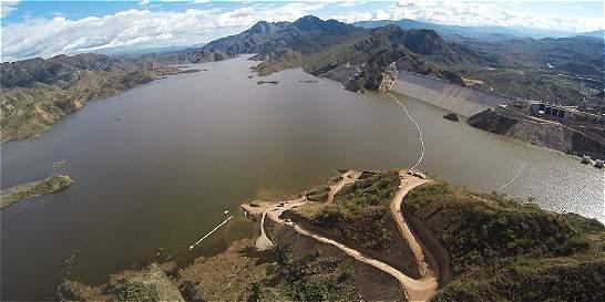 La hidroeléctrica El Quimbo seguirá apagada