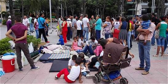 Deportados de Venezuela protagonizan plantón en Cúcuta