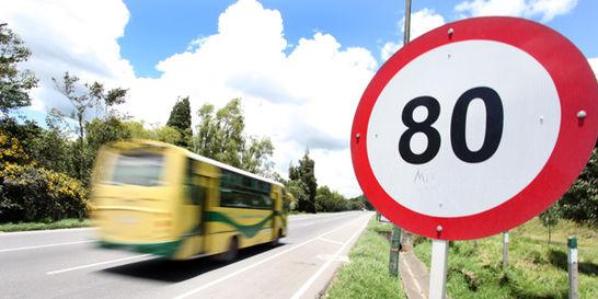 Advierten sobre riesgos de aumentar límites de velocidad
