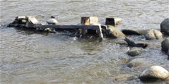 Por sequía en el Magdalena, apareció barco que naufragó hace 50 años