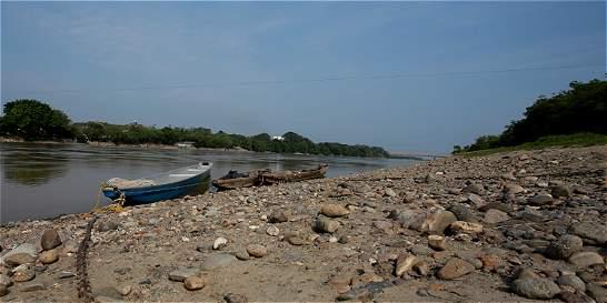 Profundidad de ríos Magdalena y Cauca, por debajo de 40 centímetros