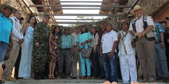 Ejército regaló un nuevo pueblo a indígenas zenú