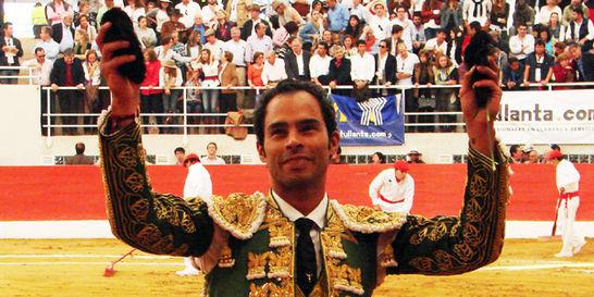 Triunfó Luis Bolívar en plaza de Puente Piedra