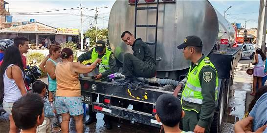 En Neiva calman protesta con envío de carrotanque con agua