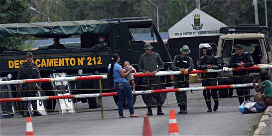 Venezuela abre 5 horas la frontera para paso de tractomulas
