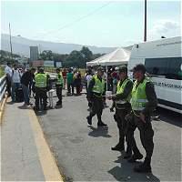 Colombia extrema controles para ingreso de venezolanos por la frontera