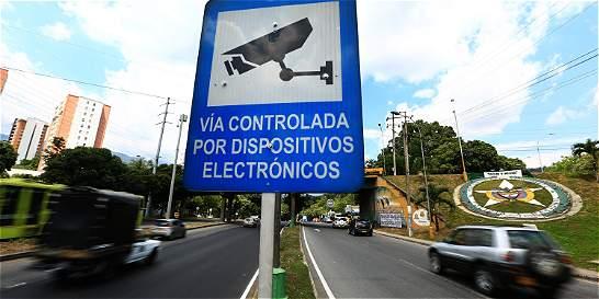 'Contraloría podría investigar contratos de fotomultas': Lizcano