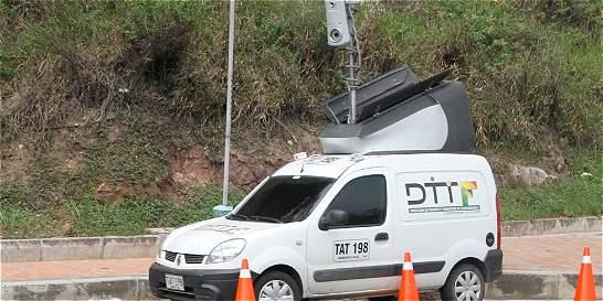 Restringen zonas a carros de fotomultas en Floridablanca (Santander)